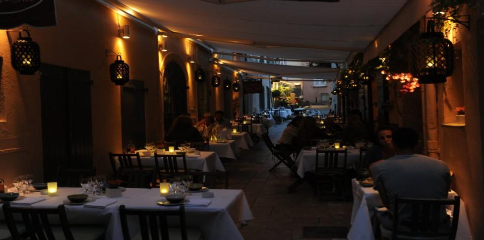 saint_tropez_restaurant_banh_hoi_2013_03