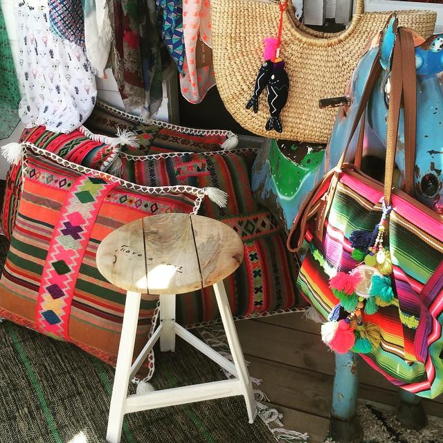 cabane-bambou-shopping-saint-tropez
