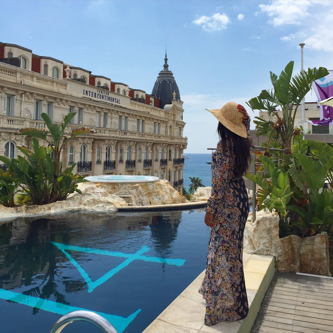 3.14-CAnnes-hotel-pool-rooftop-zara