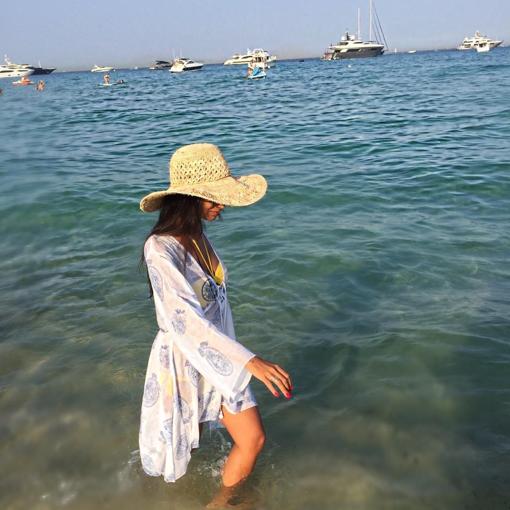 avec-hannah-romao-nikki-beach-st-tropez-praia