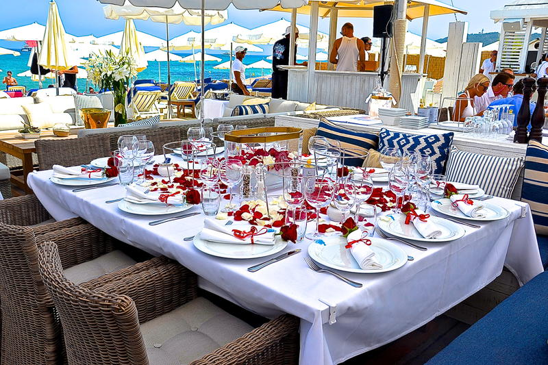 bagatelle-beach-st-tropez-lunch
