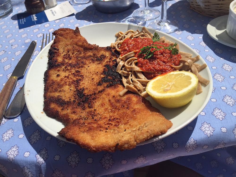 club-55-saint-tropez-lunch-escalope