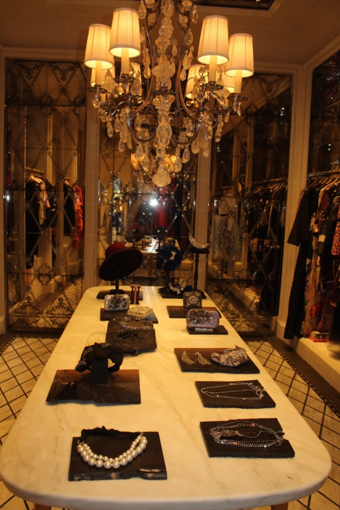 les-suites-george-v-luxe-paris-shopping-avec-hannah-boutique-