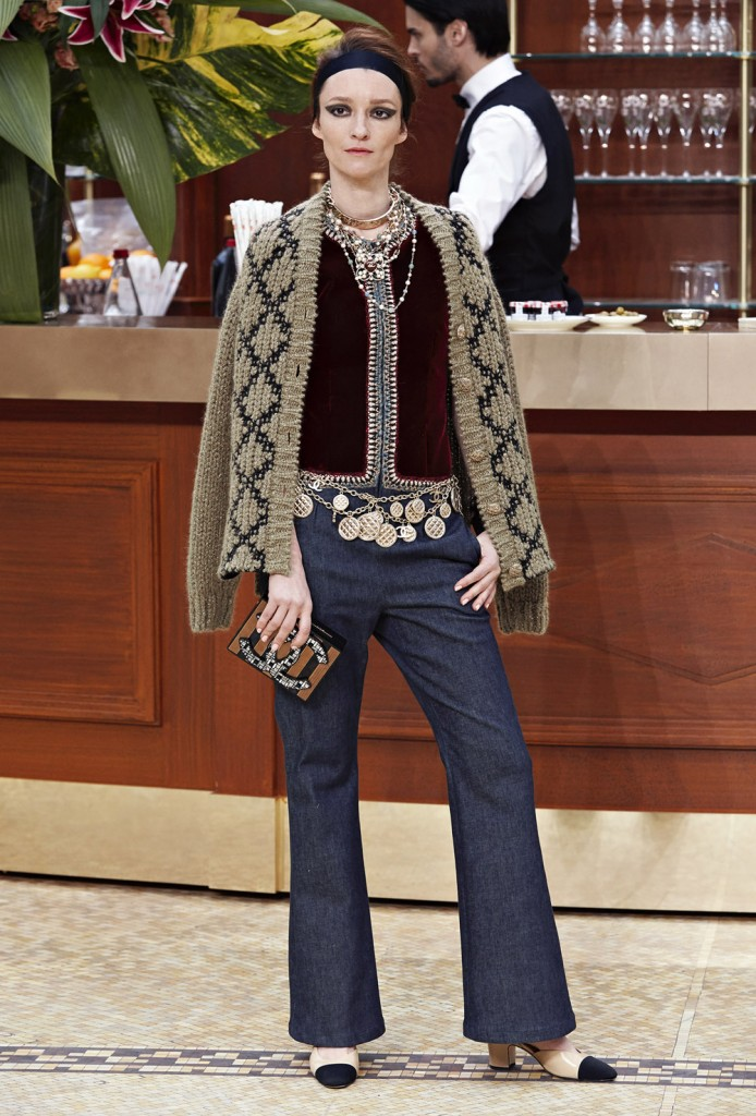 21_Fall-Winter-2015-16-Ready-to-Wear-collection-CHANEL_HD