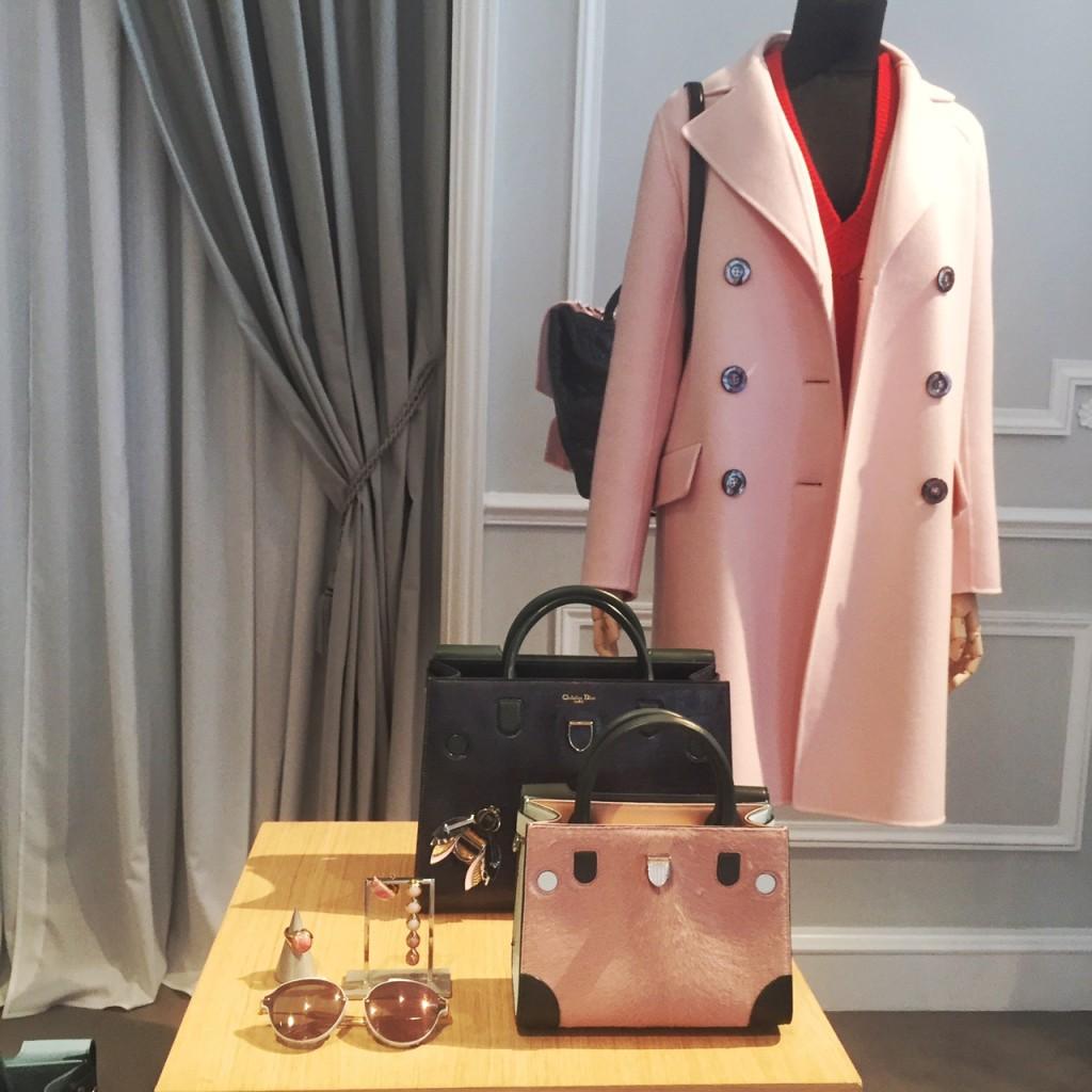 avec-hannah-romao-dior-showroom-diorever-fashionweek-paris-pfw-prefall-preco-7