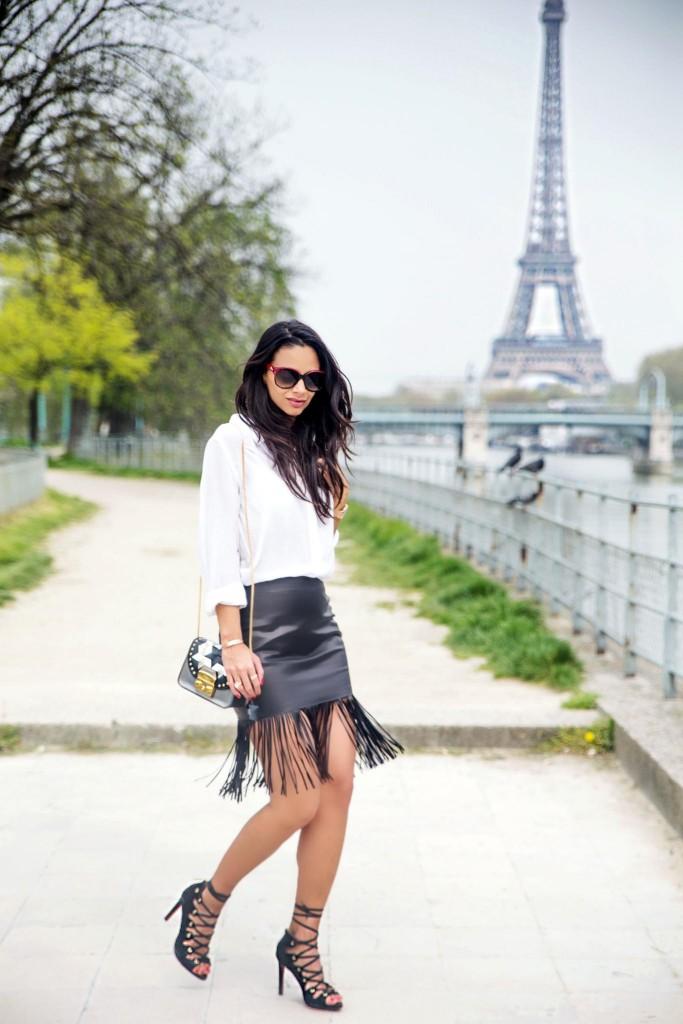 avec-hannah-fringe-skirt-paris-street-style-1