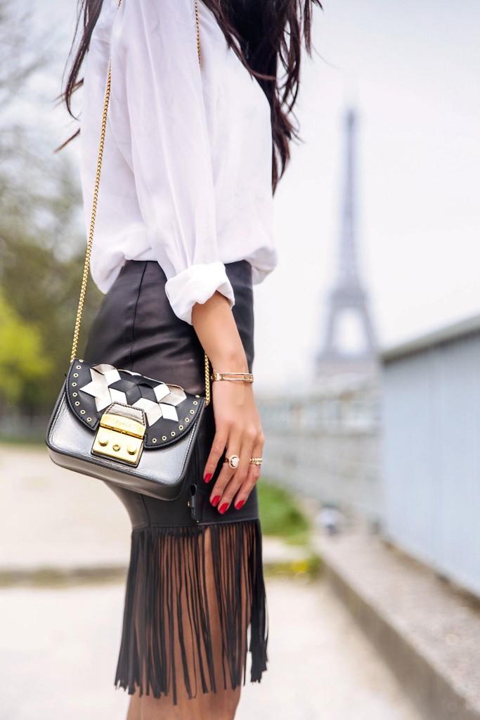 avec-hannah-fringe-skirt-paris-street-style-11