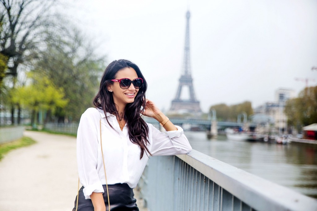 avec-hannah-fringe-skirt-paris-street-style-8