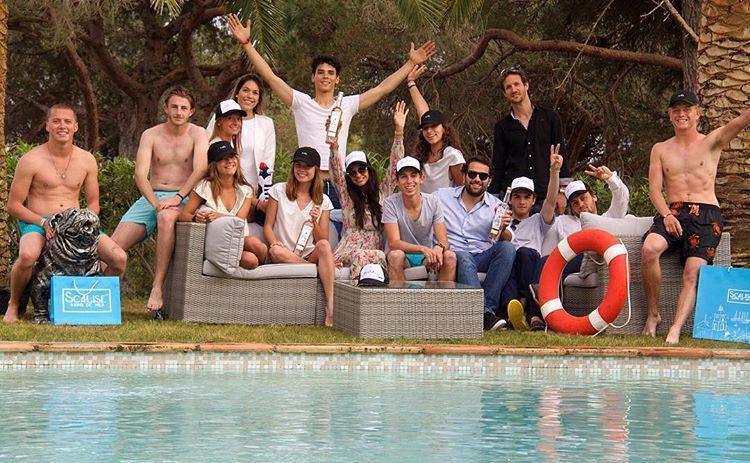 SANTROPA_STTROPEZ_ROSE_ST_DRINKROSE_SAINTTROPEZ_FRENCHRIVIERAavec_HANNAH_romao-senequier-pool-friends-003