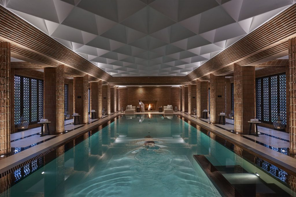 avec-hannah-marrakesh-mandarin-oriental-marrakech-luxury-desination-hotel-luxe-pool-2