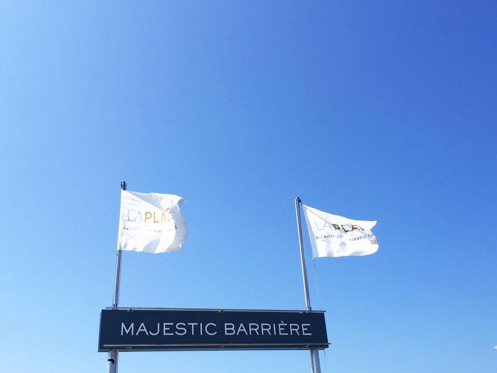 la-folie-douce-cannes-majestic-barriere-cote-d-azur-été-summer-plage-drapeau