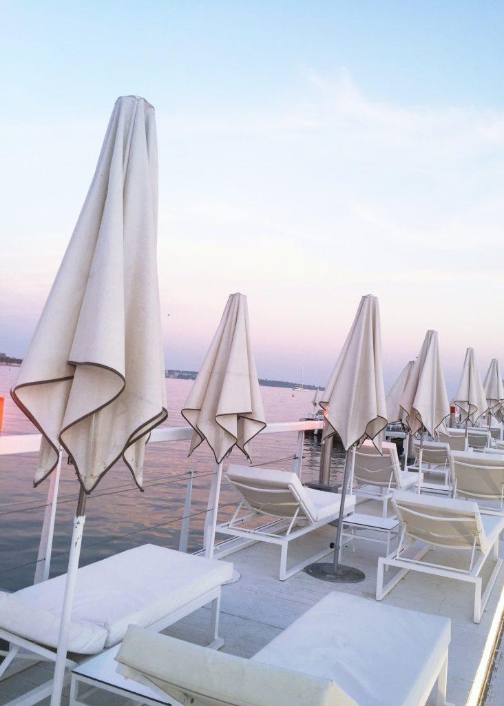 la-folie-douce-cannes-majestic-barriere-cote-d-azur-été-summer-plage-coucher-du-soleil