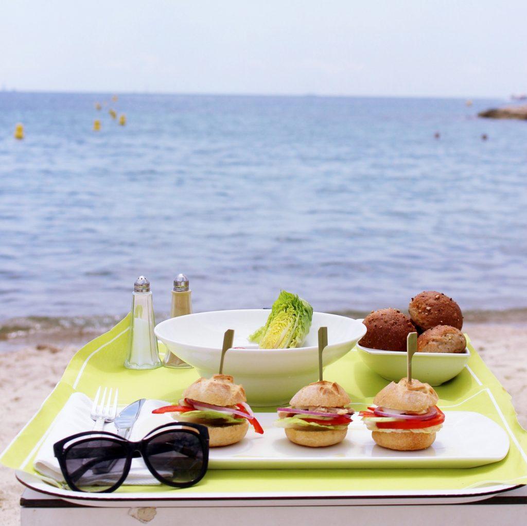 la-folie-douce-cannes-majestic-barriere-cote-d-azur-été-summer-plage-dejeuner-plage
