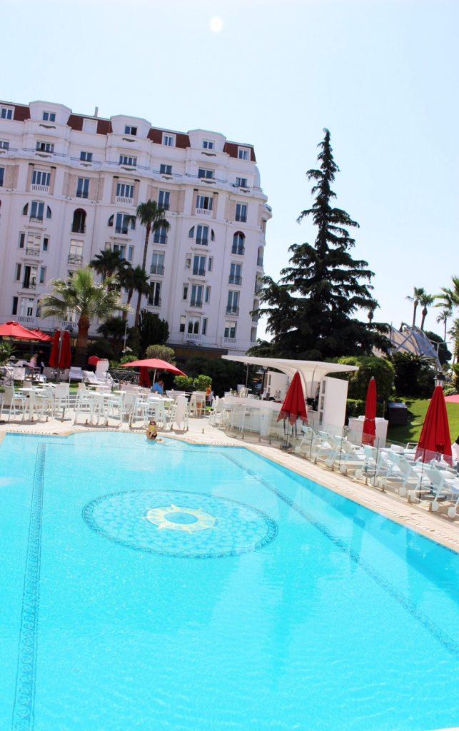 la-folie-douce-cannes-majestic-barriere-cote-d-azur-été-summer-plage-hotel-piscine