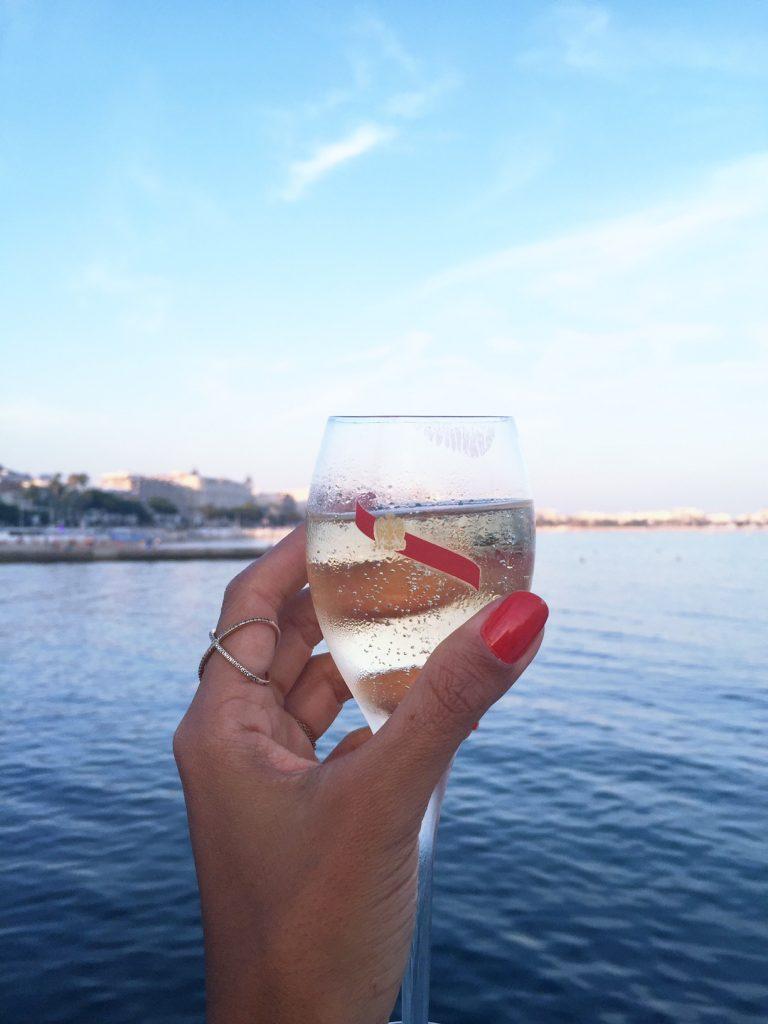 la-folie-douce-cannes-majestic-barriere-cote-d-azur-été-summer-plage-mumm-place-champagne
