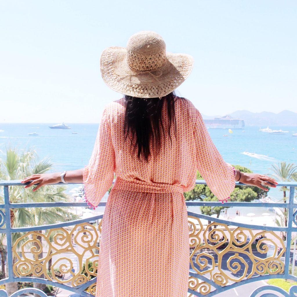 cannes-hotel-hyatt-martinez-voyage-cote-d-azur-été-vue-chambre