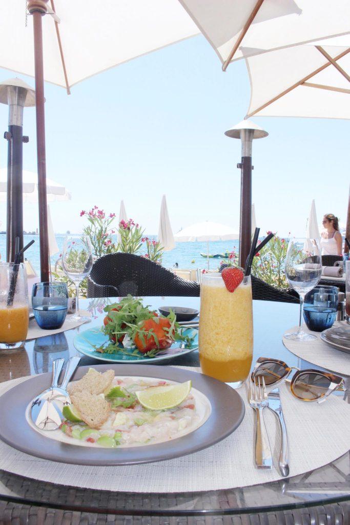 cannes-hotel-hyatt-martinez-voyage-cote-d-azur-été-dejeuner-zplage