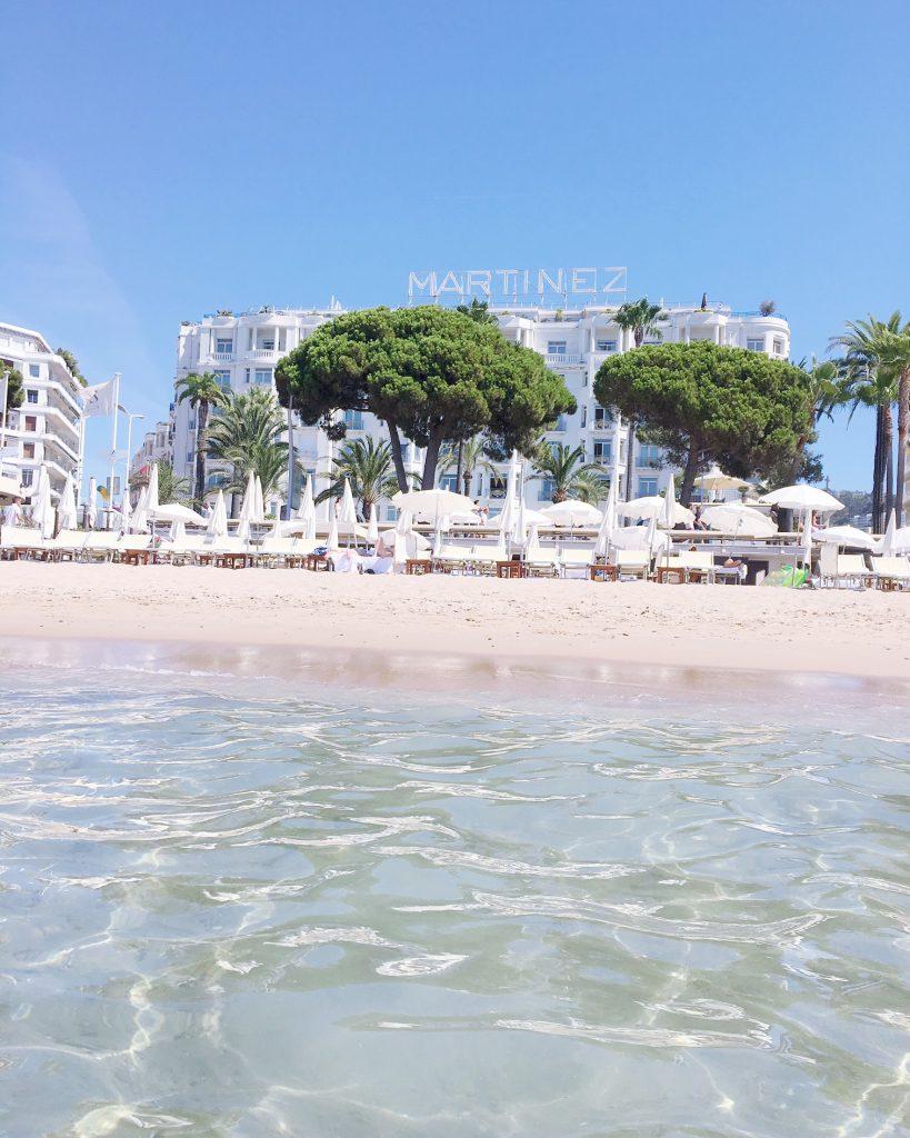 cannes-hotel-hyatt-martinez-voyage-cote-d-azur-été-zplage-beach-club-mer