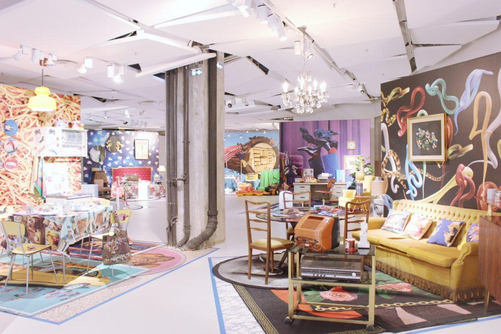 galleries-lafayette-paris-shopping-toiletpaper-2