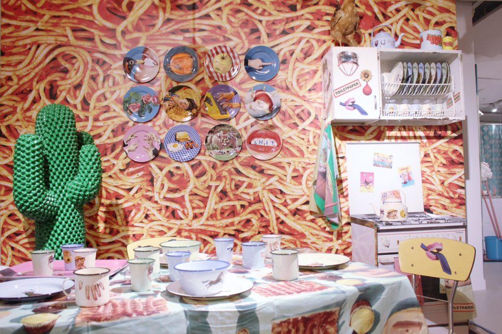 galleries-lafayette-paris-shopping-toiletpaper-expo-art