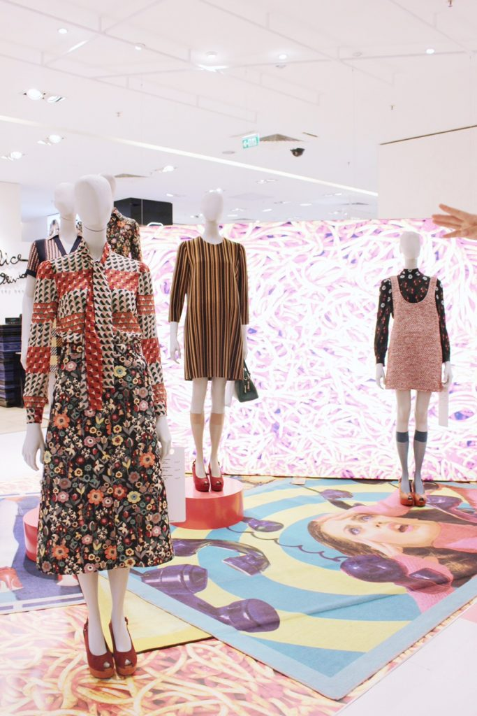 galleries-lafayette-paris-shopping-toiletpaper-expo-art-3