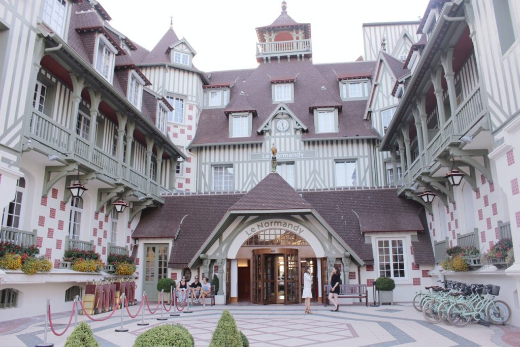 la-folie-douce-deauville-hotel-normandy-barriere-mumm-champagne-le-grand-cordon-rouge-hannah-romao-hotel-normandy-barriere