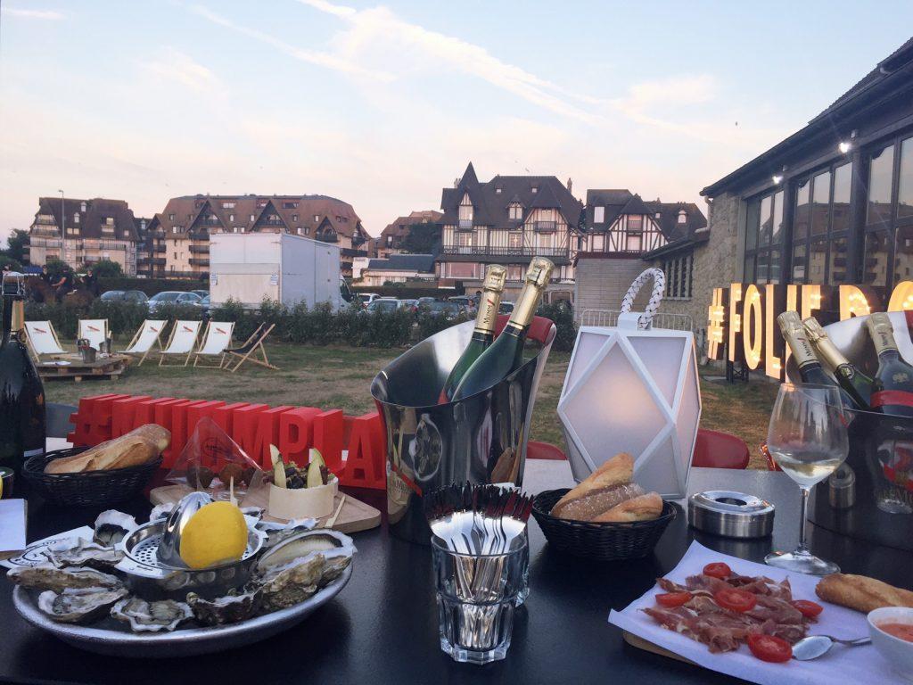 la-folie-douce-deauville-hotel-normandy-barriere-mumm-champagne-le-grand-cordon-rouge-hannah-romao-mumm-plage