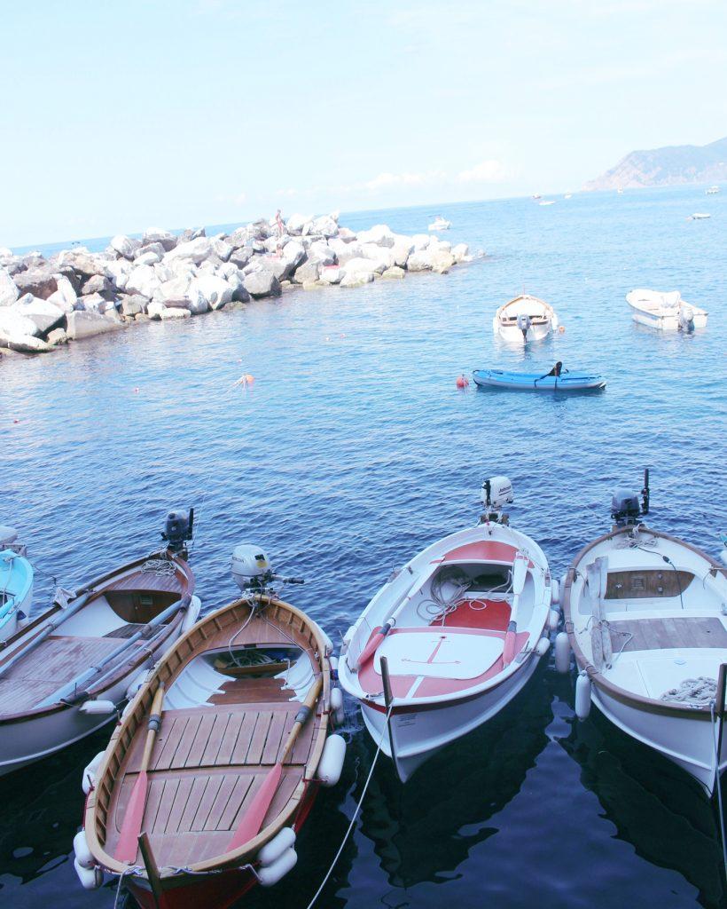 voyager-en-italie-cinque-terre-tips-voyage-manarola-petit-bateau