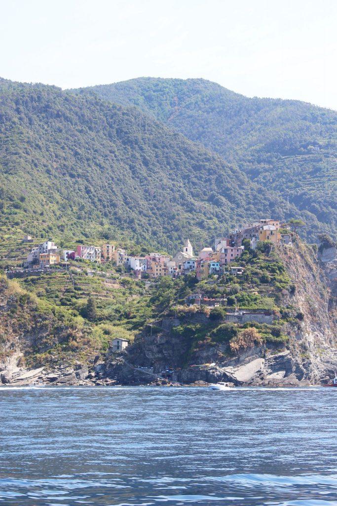voyager-en-italie-cinque-terre-tips-voyage-vernazza-bateau-vue-2