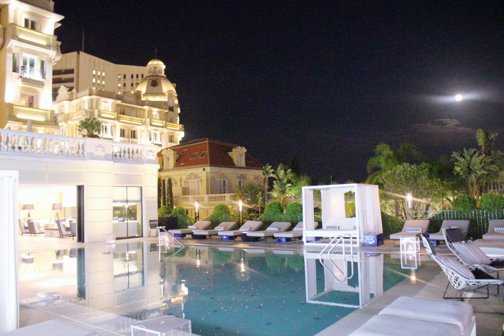 travel-voyage-diner-monaco-piscine-hotel-metropole-Odyssey