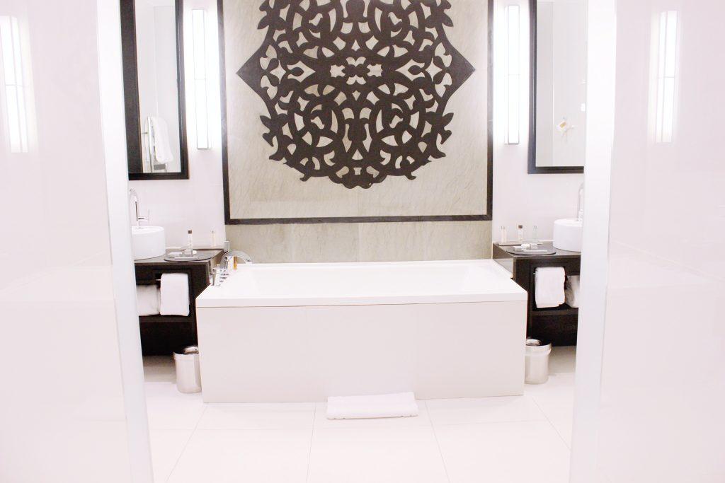 villa-difaya-rabat-morcco-maroc-voayage-luxury-hotel-relais-chateau-toilette-2
