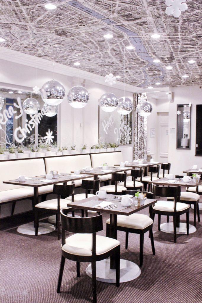 hotel-renaissance-paris-le-parc-trocadero-11
