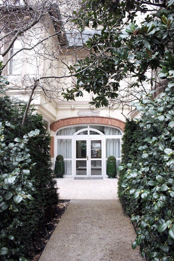 hotel-renaissance-paris-le-parc-trocadero-8