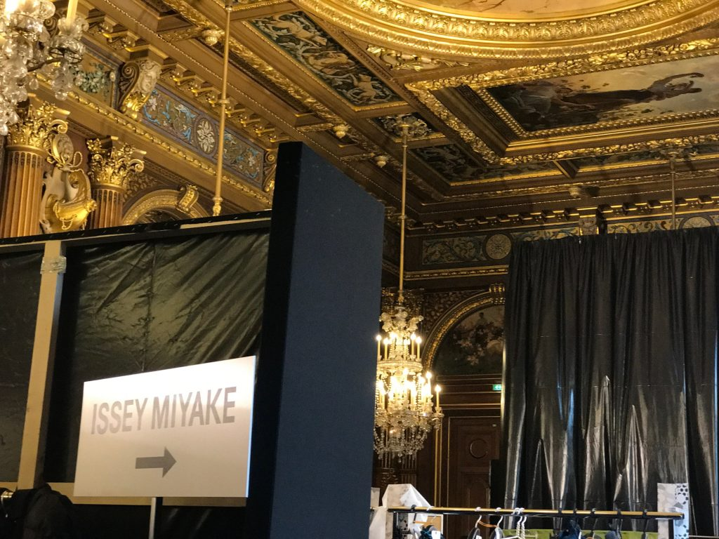 pfw-fashion-week-paris-avec-hannah-romao-defile-hotel-de-ville-3