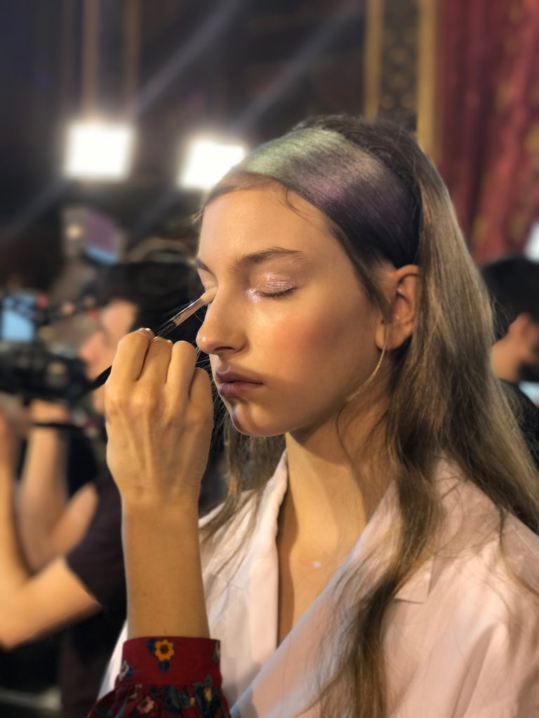 pfw-fashion-week-paris-avec-hannah-romao-make-mac-backstage