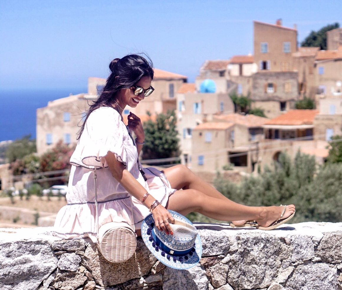calvi-on-the-rocks-havaianas-chanel-rouge-coco-tour-corse-2