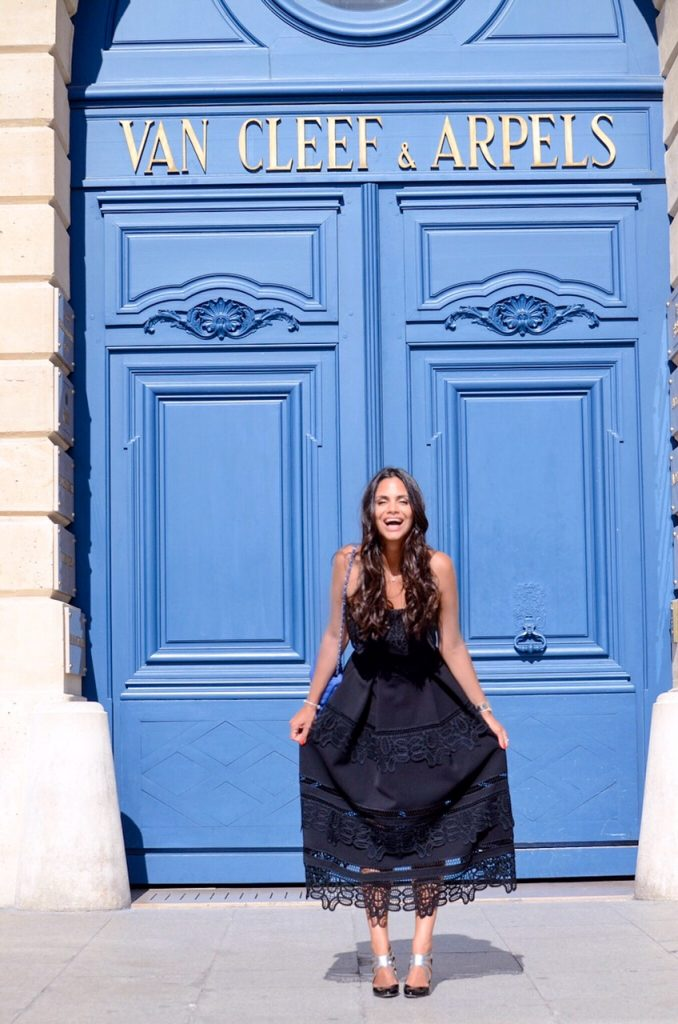 une-robe-un-soir-location-vetement-luxe-self-portrait-place-vendome-1