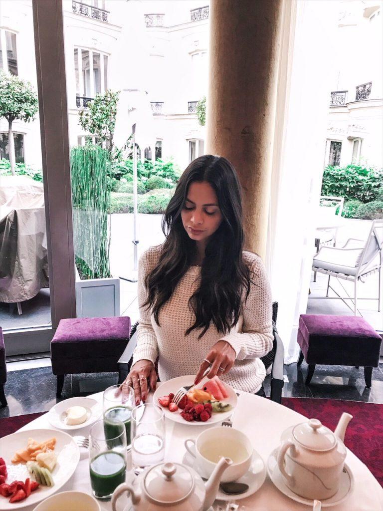 barriere-fouquets-hotel-paris-luxe-hannah-romao-petit-dej