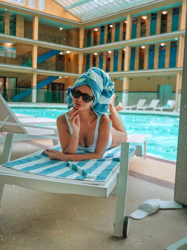 avec-hannah-romao-piscine-molitor-hotel-paris-7