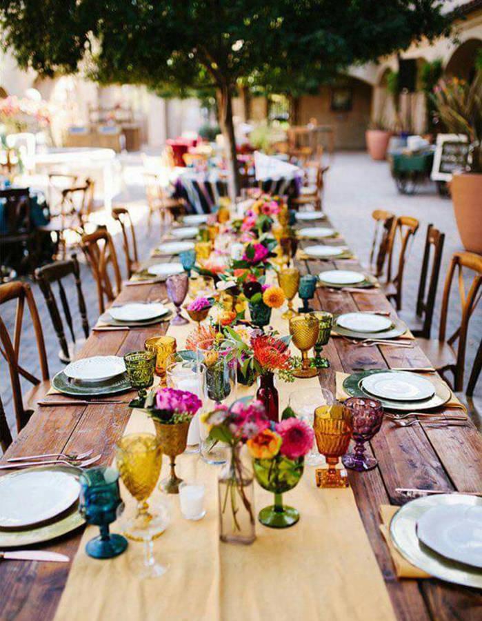 Depareiller-les-verres-sur-la-table-de-mariage